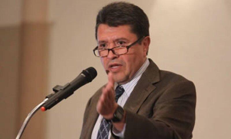 Monreal dijo que no permitirán que el caso se olvide, como, según él, pretende hacerlo el IFE. (Foto: Notimex)