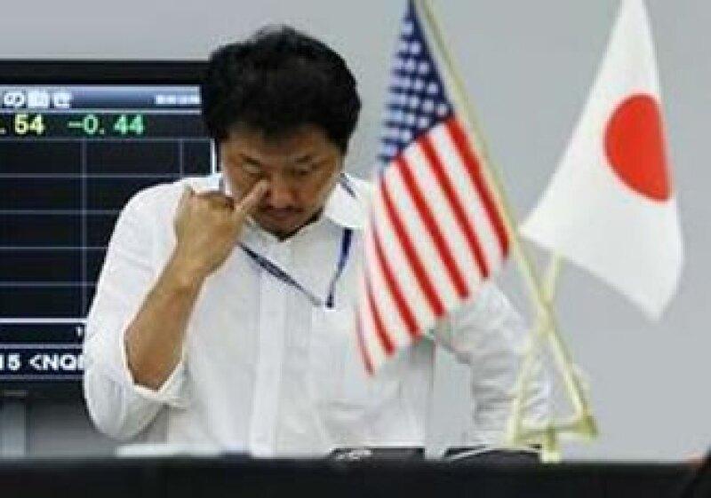 Las operaciones 'carry trade', que se consideran de bajo riesgo, también presionan al Banco Central japonés. (Foto: Reuters)