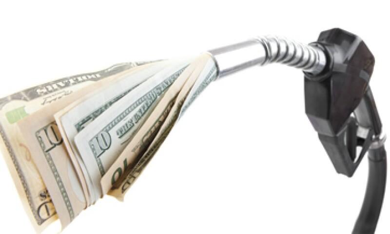 Los subsidios a la gasolina generan un hoyo en las finanzas públicas, advierten expertos. (Foto: Getty Images)