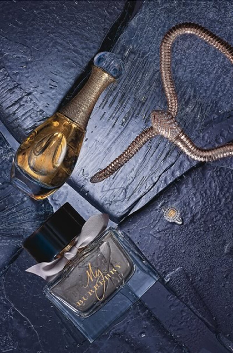 Joyería de Bvlgari y Tiffany & Co. Perfumes de Dior y Burberry.