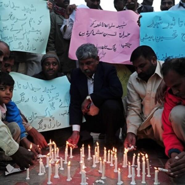 Pakistán - apoyo a gobernador asesinado
