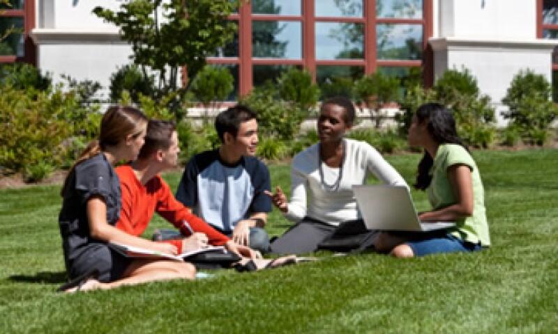 El presidente Obama subrayó la importancia de apoyar a las personas que quieren estudiar. (Foto: Thinkstock)