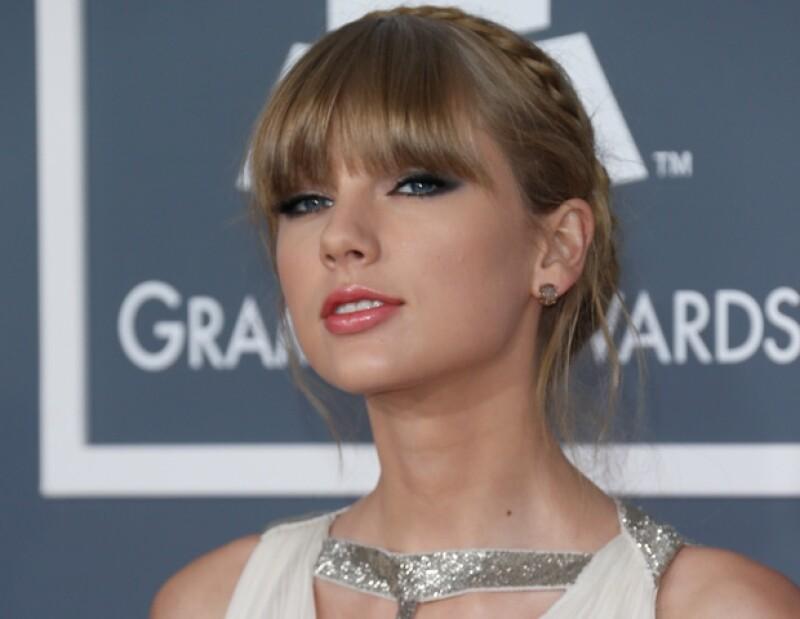 La cantante de country quiso evitar a toda costa a dos de sus compañeros de trabajo, se tratan de Carrie Underwood y su ex John Mayer.