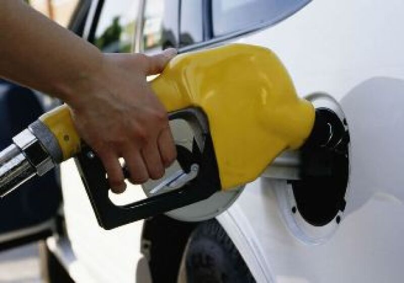 Los precios de las gasolinas fueron congelados este año. (Foto: Jupiter Images)