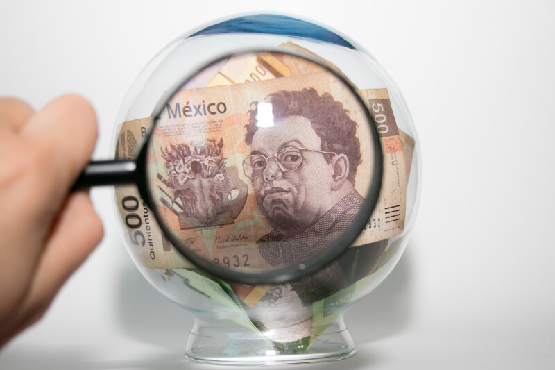Inspeccionando el dinero