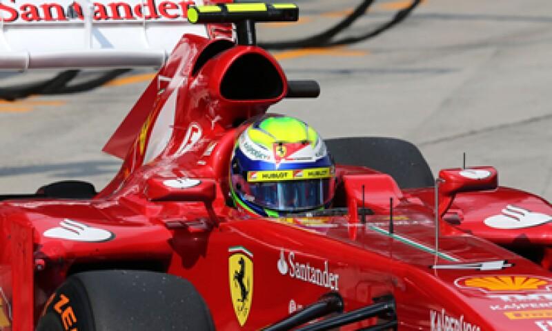 El logotipo de UPS aparecerá en los autos de carreras F138 de Ferrari que conducen Fernando Alonso y su compañero de equipo Felipe Massa. (Foto: AP)
