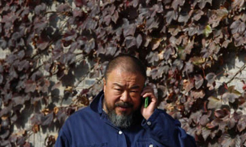 A fin de evitar problemas con el Gobierno, los seguidores de Ai Weiwei le mandan el dinero en sobres o cestos que dejan en su jardín. (Foto: Reuters)
