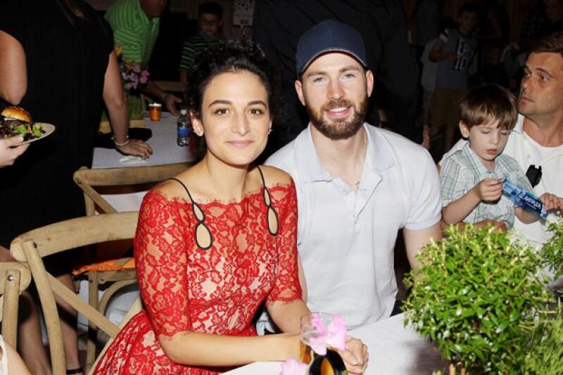 Se dice que el romance entre los actores nació cuando actuaron juntos en Gifted.