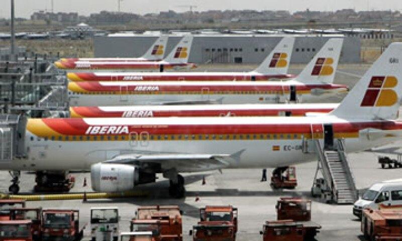 AIG indicó que el entorno económico refuerza la necesidad de los cambios en la aerolínea.  (Foto: Reuters)