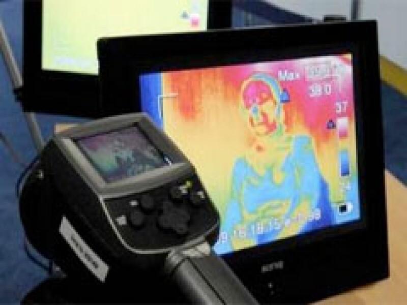 Japón enviará 20 cámaras de detección de temperatura para utilizar en aeropuertos y lugares públicos. (Foto: Reuters)