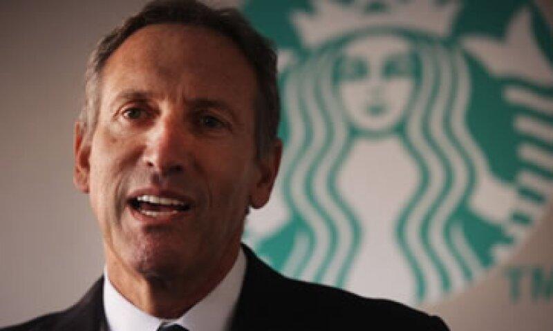 Starbucks justificó el pago a su CEO porque  su acción ha subido más de 900%. (Foto: Getty Images)