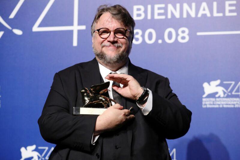 Resultado de imagen para guillermo del toro jurado festival cine venecia