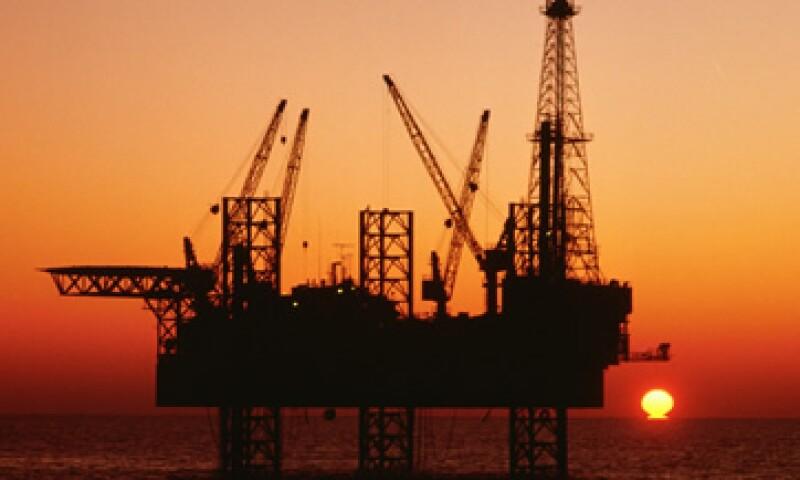 El petróleo operó entre los 85.11 y los 87.62 dólares por barril. (Foto: Photos to go)
