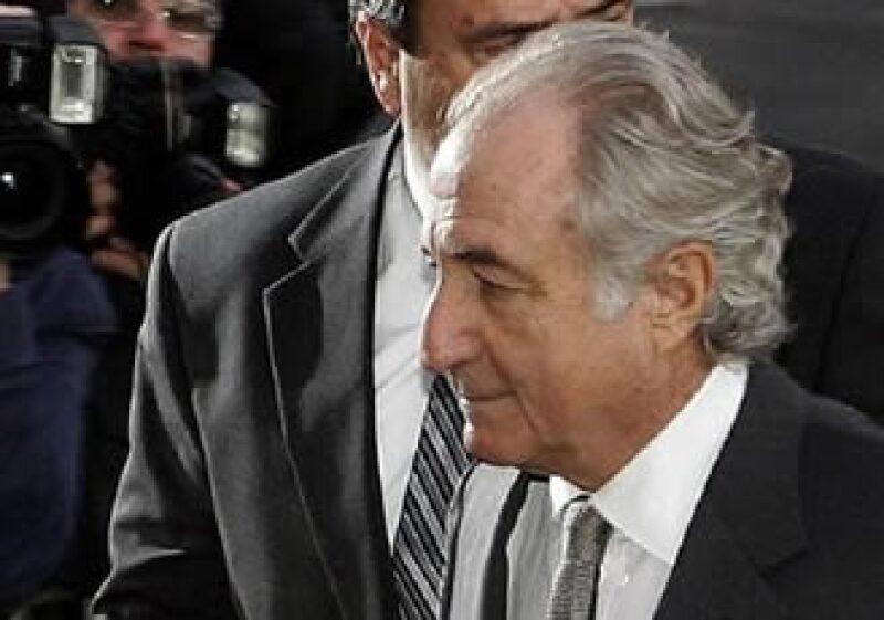 El abogado de Bernard Madoff había solicitado que su cliente cumpla su condena en una prisión de mediana seguridad en Nueva York.  (Foto: Reuters)