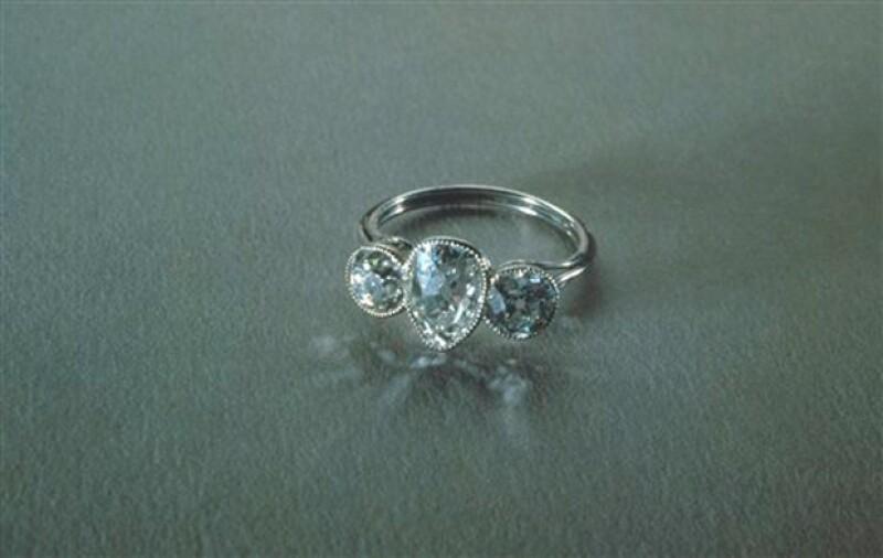 Este anillo fue rescatado desde las profundidades del océano Atlántico, lugar donde naufragó el Titanic.