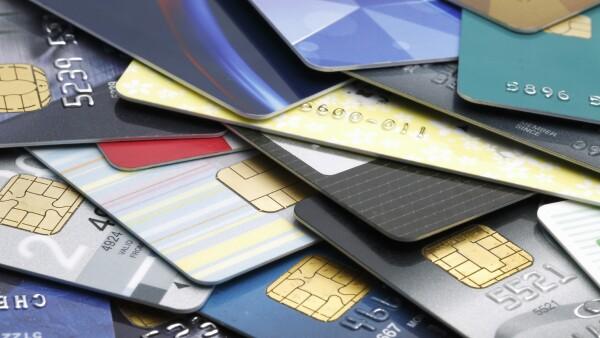 depende del historial crediticio, nivel de ingresos, edad y capacidad de pago del usuario.