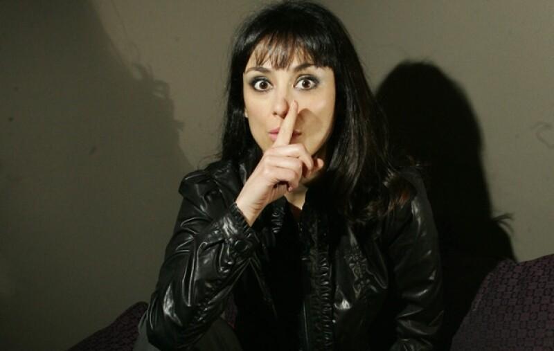 La actriz platicó con Quién.com sobre cómo es trabajar alrededor de tanto hombre.