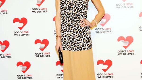 Hilary Rhoda con un bonito vestido de Michael Kors.