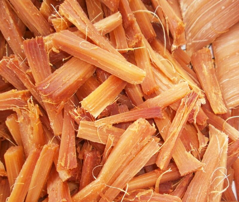 Durante este proceso, los trozos de la pi�a toman un color caramelo y sabor dulce