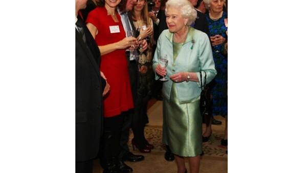 Los Duques de Cambridge y el Príncipe Carlos, acudieron a una recepción ofrecida a la reina de Inglaterra.