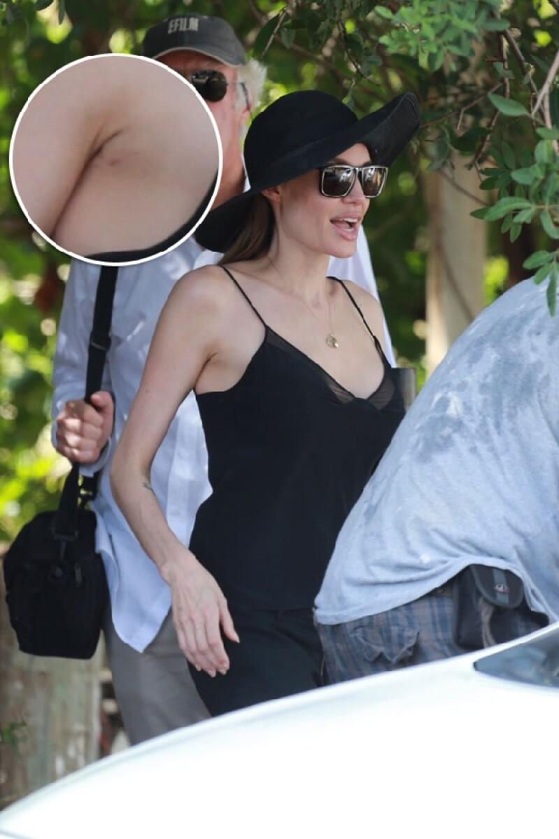 La actriz fue captada en Hawái luciendo por primera vez públicamente una blusa escotada luego de haberse sometido a una cirugía que disminuyó sus probabilidades de padecer cáncer.