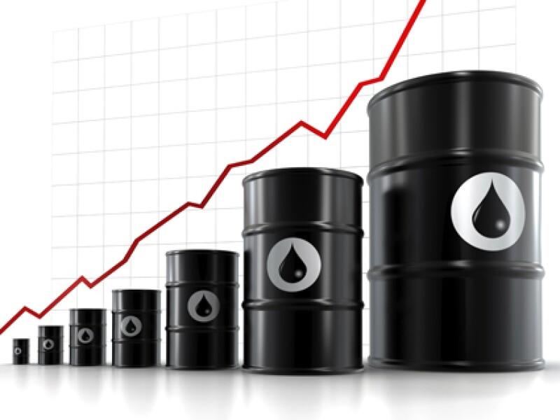 Desde 2004, la producción de crudo cayó al pasar de 3.4 millones de barriles diarios a 2.47 millones reportados a la fecha. (Foto: iStock)