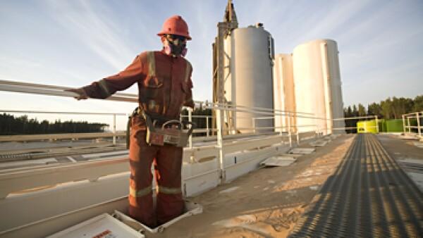 El fracking o fractura hidráulica consiste en inyectar a alta presión agua, arena y aditivos químicos al subsuelo para liberar gas y crudo. (Foto: Getty Images)