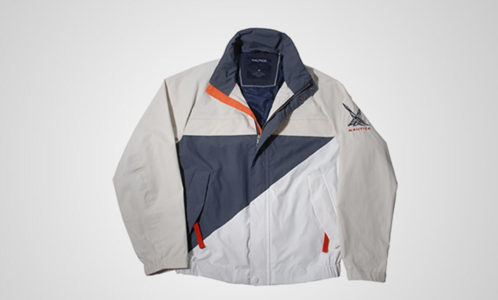La firma estadounidense presenta su colección otoño-invierno con sus particulares prendas en color café, azul marino y toques vivos en naranja.
