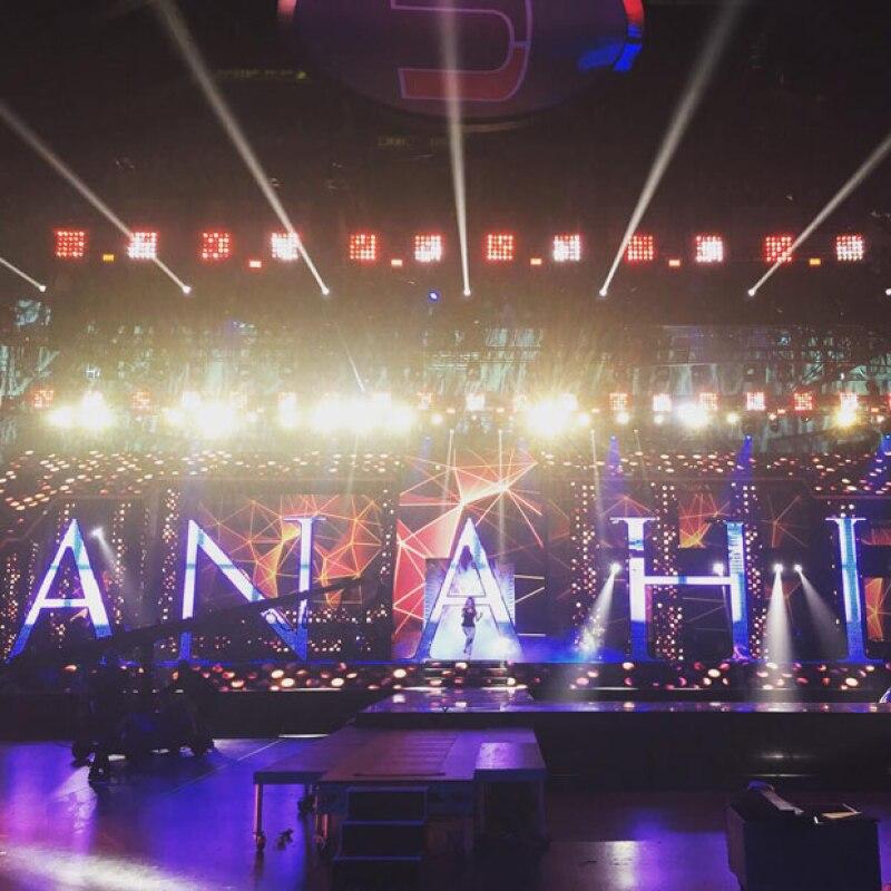 Después de publicar su primer sencillo, la cantante finalmente regresa con más de su nuevo álbum, siendo los Premios Juventud el evento donde hará su gran aparición.