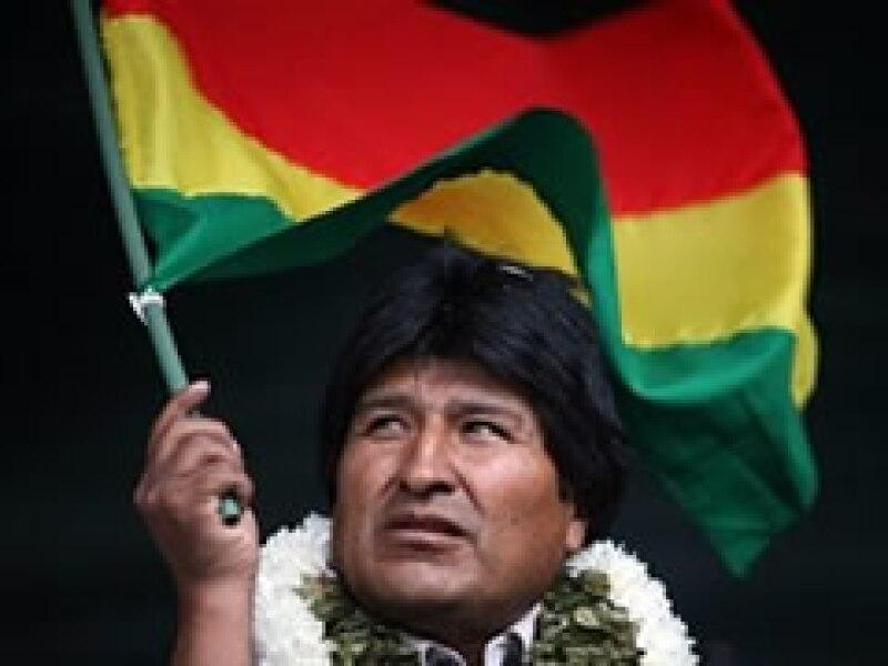El presidente Evo Morales firmó el decreto de nacionalización. (Foto: AP)