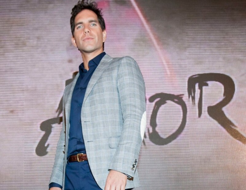 La actriz confesó, durante la presentación de la telenovela `Amor Cautivo´, que acepta a su pareja, Adrián Uribe, con sus defectos y virtudes.