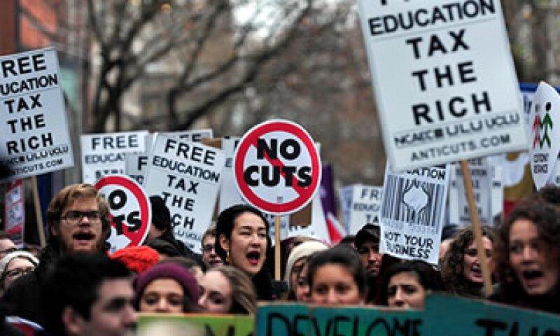 Las protestas de jóvenes europeos no se ha hecho esperar. (Foto: Getty Images)