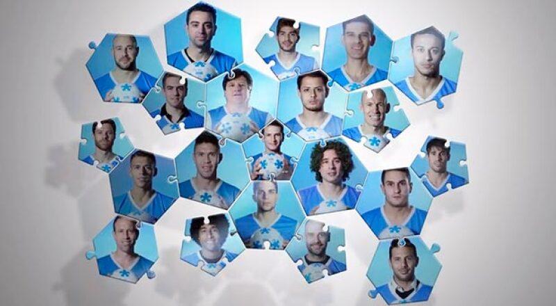 """Reconocidos futbolistas del todo el mundo se unieron con un video a la campaña """"Ilúminemos de azul"""" en pro de la concientización sobre el autismo."""