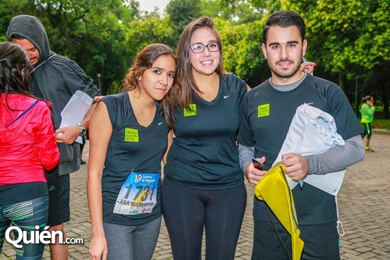 Ana Jiménez,Mariana Larrea y Rogelio Gamba