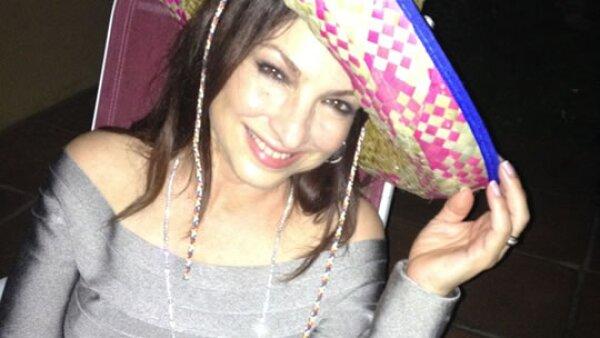 Gloria Estefan también se sumó a la fiebre de cinco de mayo. ¿Es eso una cerveza?