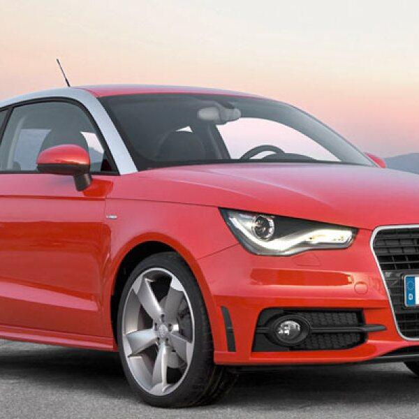 La última adición a la gama de Audi entra en esta categoría gracias a sus altas prestaciones. Se han vendido 1,077 vehículos, pero a causa de su reciente debut no existen datos comparativos.