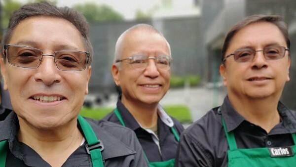 Tienda Starbucks operada por adultos mayores