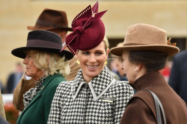 Camila de Cornualles, Zara Phillips y la princesa real Ana.