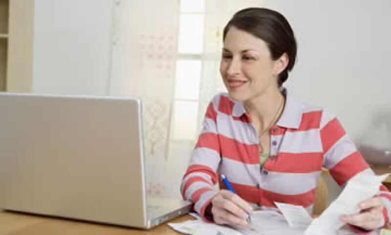 Cuida tus datos personales, el SAT no solicita tu cuenta bancaria vía correo. (Foto: Thinkstock)