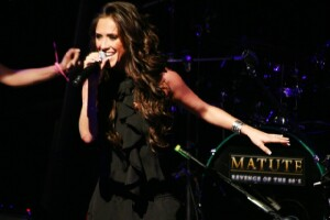 La ex RBD está demostrando que como solista puede alcanza grandes éxitos.