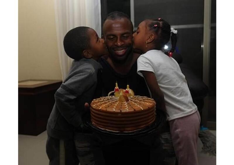 Así festejó el jugador su cumpleaños número 27, con su familia.