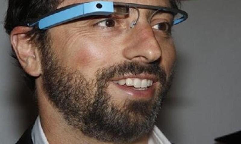 El cofundador de Google de 40 años  en la reunión con la prensa. (Foto: Reuters)