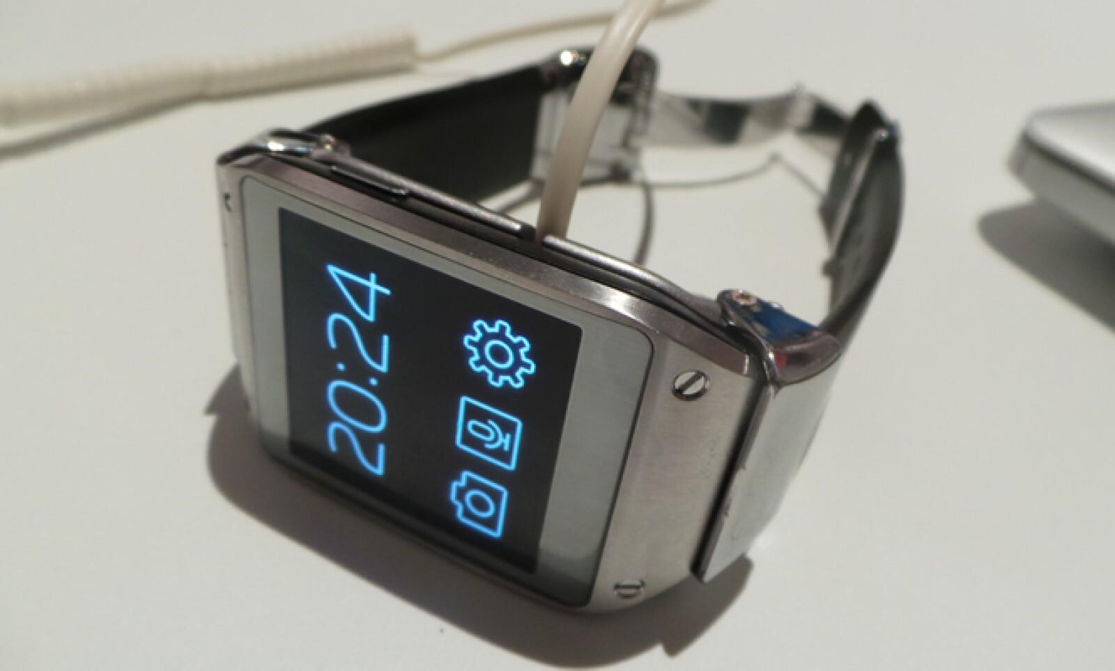 El reloj estará disponible en seis colores: verde, beige, naranja, gris, negro y champagne.