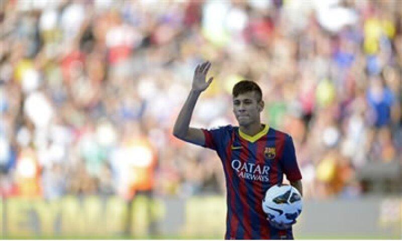 El club catalán gastó 60 millones de euros por hacerse de los servicios de Neymar. (Foto: AP)