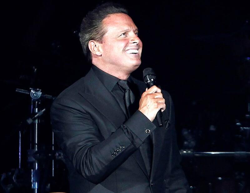 En el Palacio de los Deportes de la capital española, `El Sol´ ofreció el penúltimo concierto de su gira, ante 15 mil personas, quienes no dejaron de aplaudirlo.