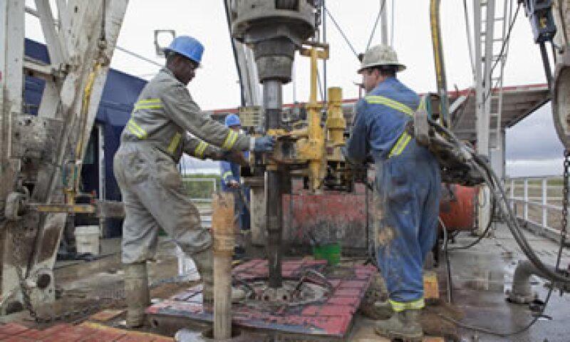 Goldman Sachs estima que continuarán las interrupciones de exportación y producción de crudo en Libia.  (Foto: Getty Images)