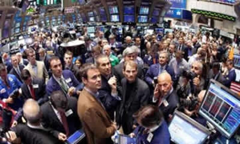 Las apuestas en contra de activos italianos se intensifican durante la jornada, llevando al mercado local a perder casi 4%. (Foto: Reuters)