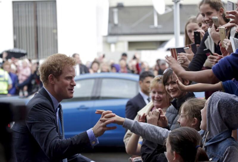 El príncipe fue muy bien recibido su visita a diferentes ciudades neozelandesas.