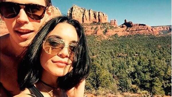 La actriz y su novio Austin están siendo investigados por grabar sus nombres en una roca del Parque Nacional de Coconino, zona protegida de Arizona.