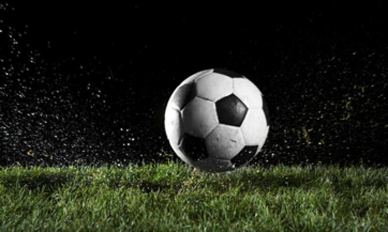 El costo de los estadios para la Eurocopa de 2012, celebrada en Ucrania y Polonia, superó los 2,300 millones de euros, según un reporte de Futebol Finance. (Foto: Getty Images)